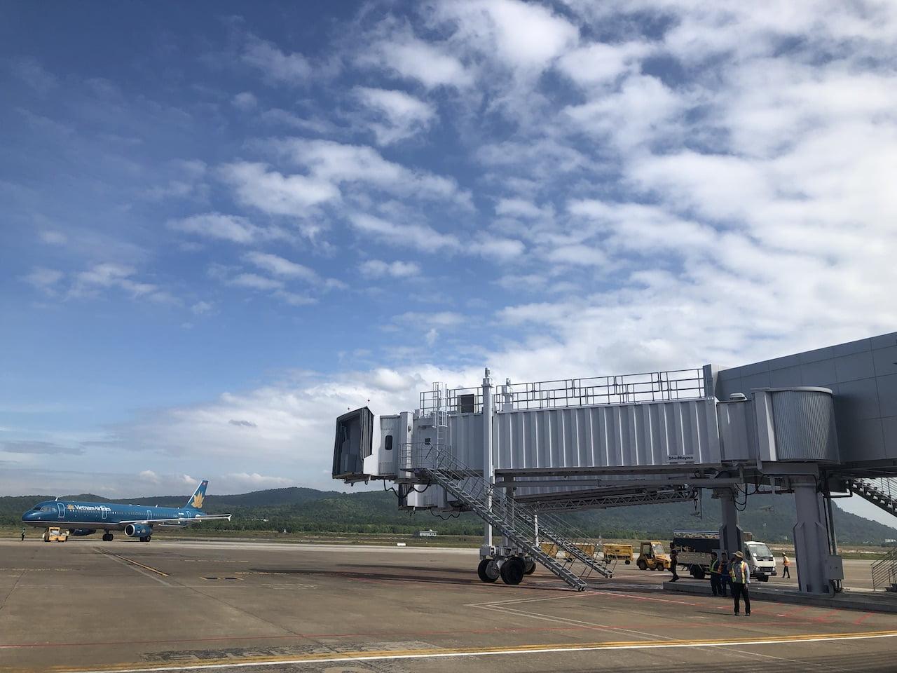 Sau khi hoàn thành mở rộng số cầu ống lồng ra tàu bay tăng từ 0 lên 4 ống. Ảnh VGP/Phan Trang