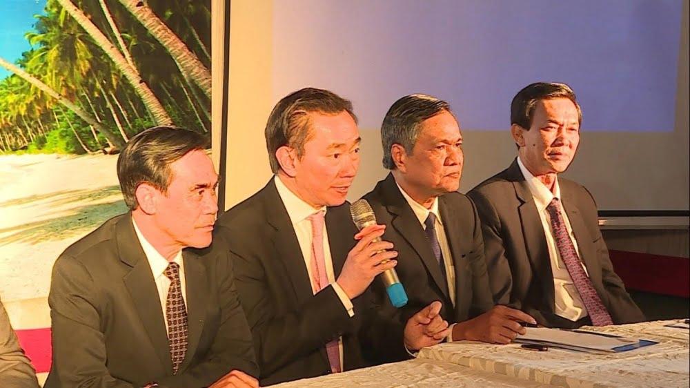 Đại sứ Việt Nam tại Ấn Độ Phạm Sanh Châu cùng các lãnh đạo tỉnh Kiên Giang giải đáp thắc mắc của doanh nghiệp lữ hành Ấn Độ. (Ảnh: Đại sứ quán Việt Nam tại Ấn Độ)