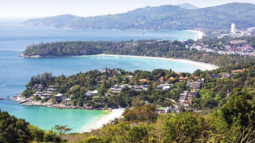 550km2 của đảo Phuket là một sự kết hợp hài hòa giữa thiên nhiên hoang sơ và tiện nghi hiện đại.